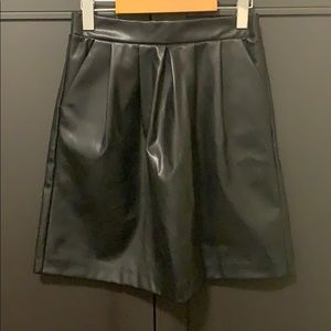 Fake leather skirt